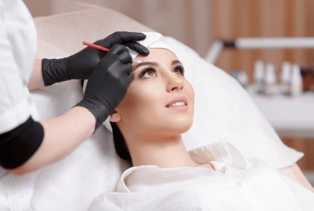טיפול לאחר איפור קבוע גבות